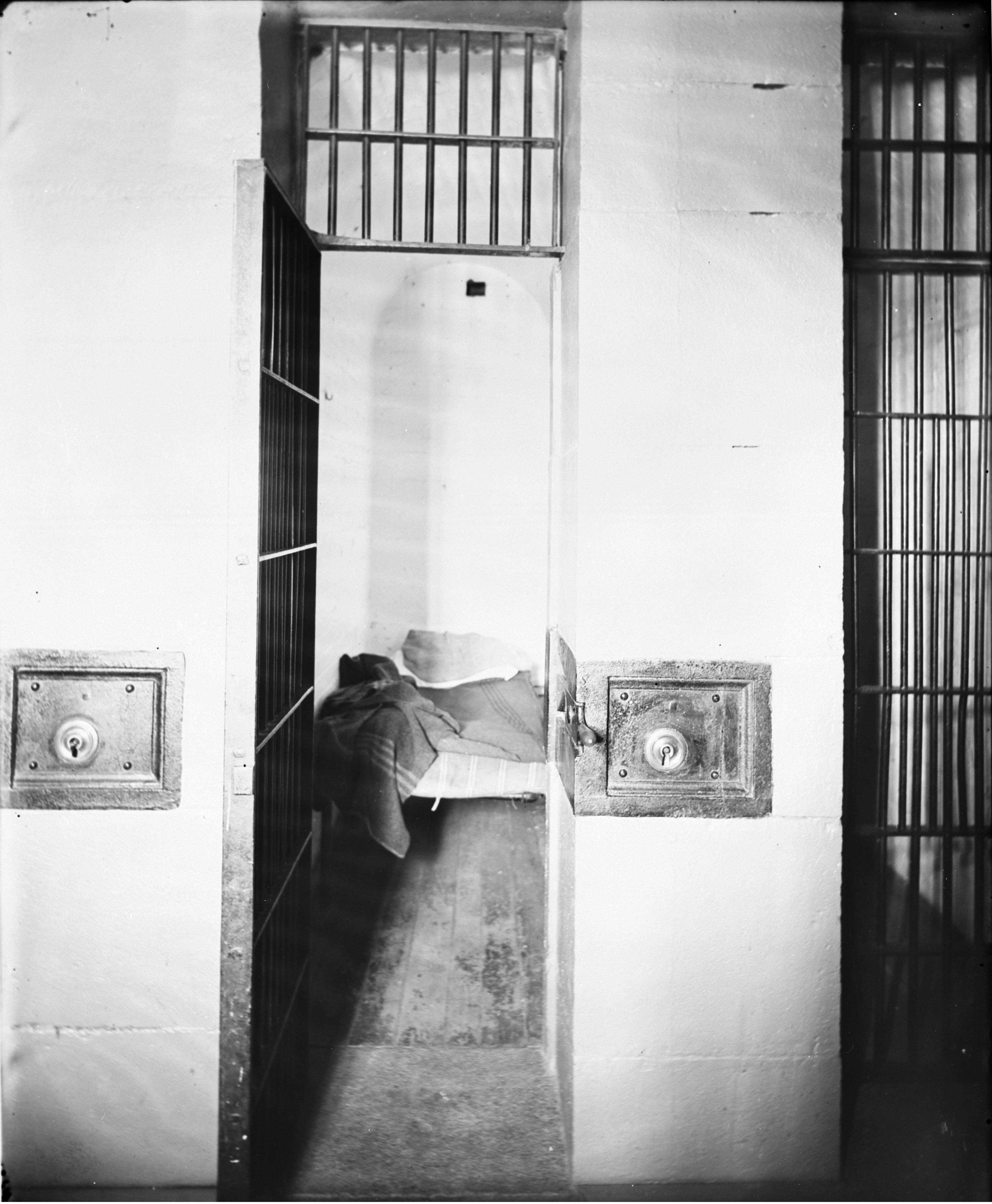 purpose and history of penitentiaries History of the problem: have we learned anything in 200 years  what can  prisons and jails do when an inmate refuses medication, despite all efforts to   the purpose of this chapter is to describe the legal authority for.